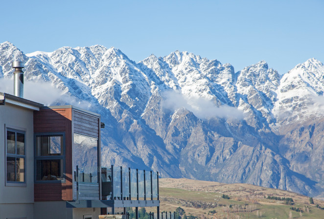 Lake View Retreat and the Remarkable Mountain Range